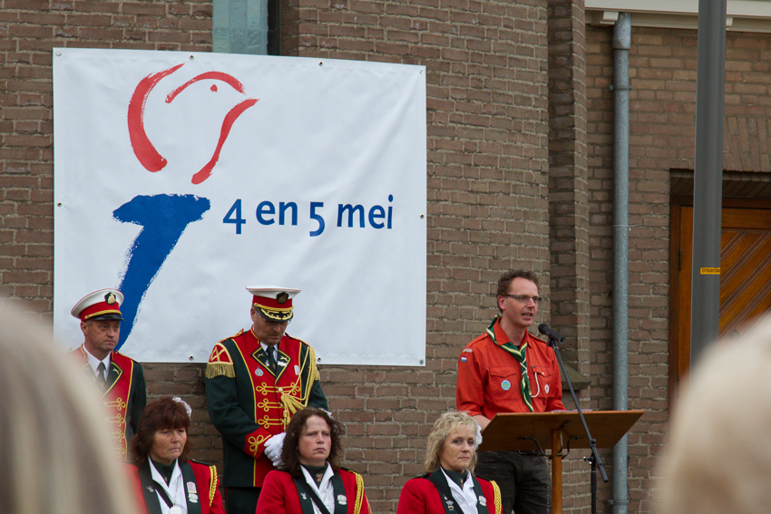 4 mei dodenherdenking Scouting ulft voorlezen gedicht