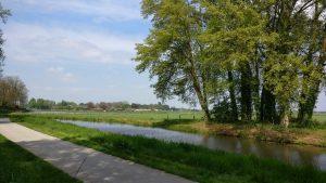 linkerzijde fietspad en IJssel vanaf achterpoort